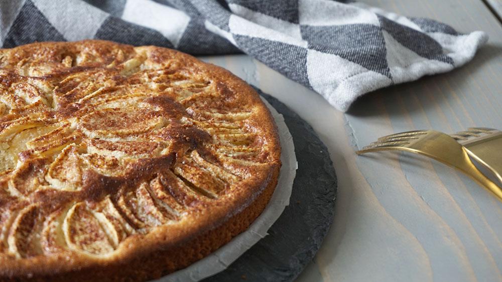 lækker gluten og sukkerfri æblekage opskrift