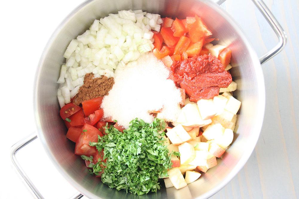 ingredienser til hjemmelavet ketchup