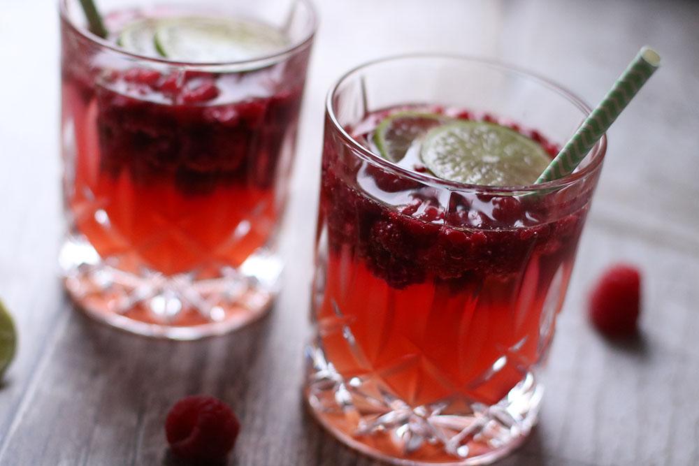 Sommerlæskende rabarber drink