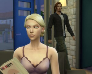 ただいまー<br /> やはり家が良いですね。<br /> 嫁の微妙なシュミーズ姿がなんかエロイ。