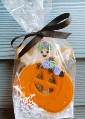 Celebrate Halloween with Bisous Bisous Pâtisserie