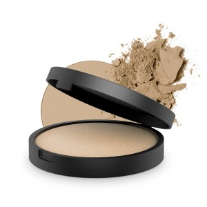 inika-baked-mineral-foundation-strength-8g-with-product