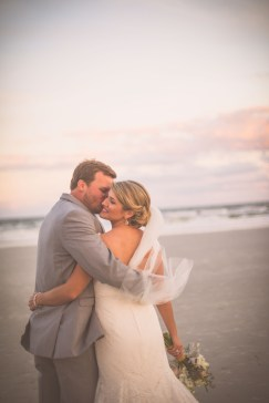 Kelsey&BlakeBride+Groom_KiKiCreates-010