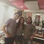 Junto  Kany Garcia y Marcos Sanchez