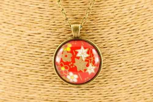 bronze-redstar-round-pendant