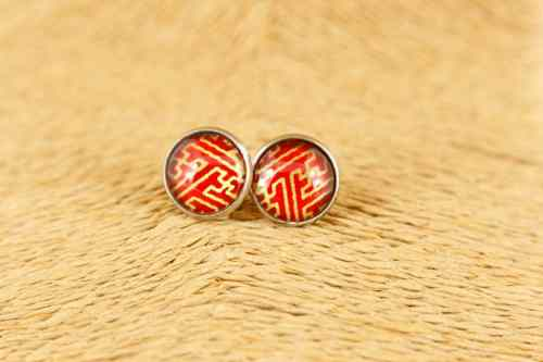 red-earrings