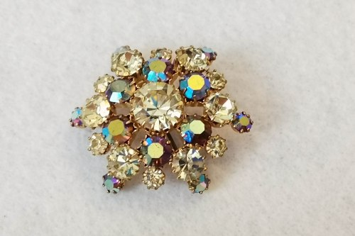 pale-yellow-brooch
