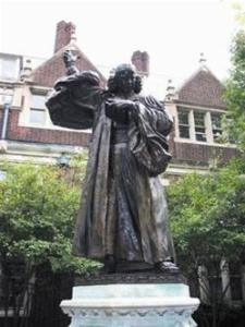 Statue of Whitefield in Quadrangle of University of Pennsylvania