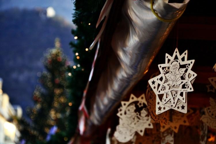 decorazioni in legno ai mercatini di natale a Bolzano