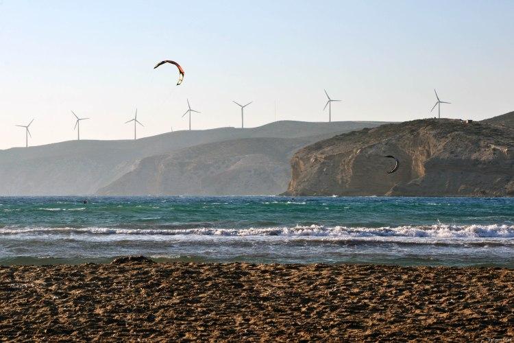 8 spiagge imperdibili sull'isola di Rodi: mulini a vento e aquiloni al tramonto a prassonissi