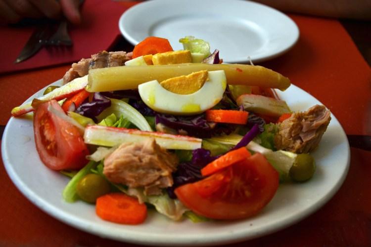 tapeando a barcellona: insalata fresca del giorno