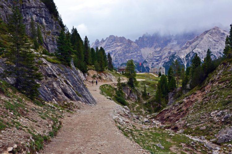 il sentiero 33 verso il rifugio vallandro