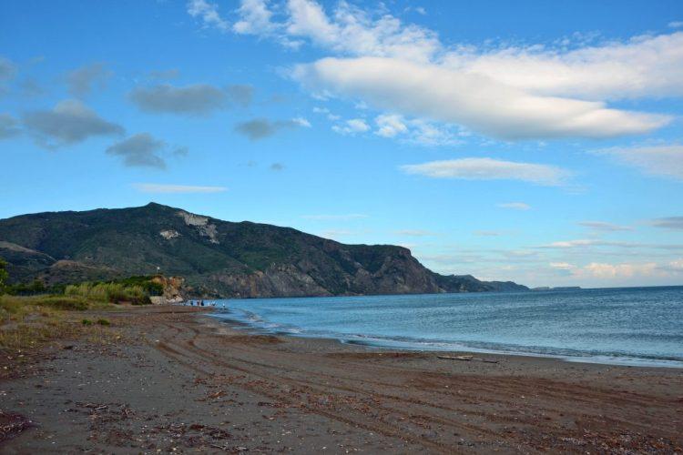 cosa fare a zacinto: andare alla spiaggia di Kalamaki alle sette del mattino