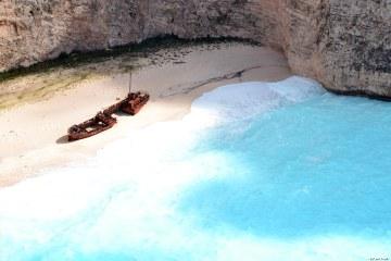 Undici spiagge imperdibili sull'isola di Zacinto: la spiaggia del relitto