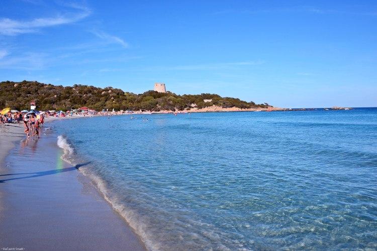 sardegna del sud est spiagge: cala pira con la sua torre