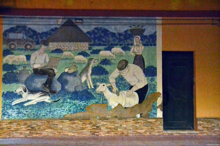 sardegna del sud est spiagge: murales di muravera