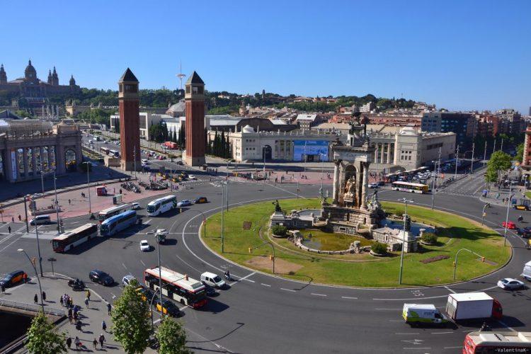 barcellona dall'alto: plaza espanya vista dall'alto de las arenas