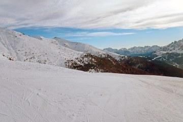 val pusteria in inverno cose da fare: panorama innevato dal monte elmo