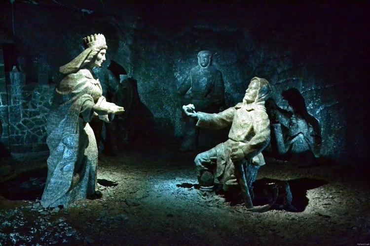 miniera di sale di wieliczka: sculture in sale della principessa Kinga e di un minatore