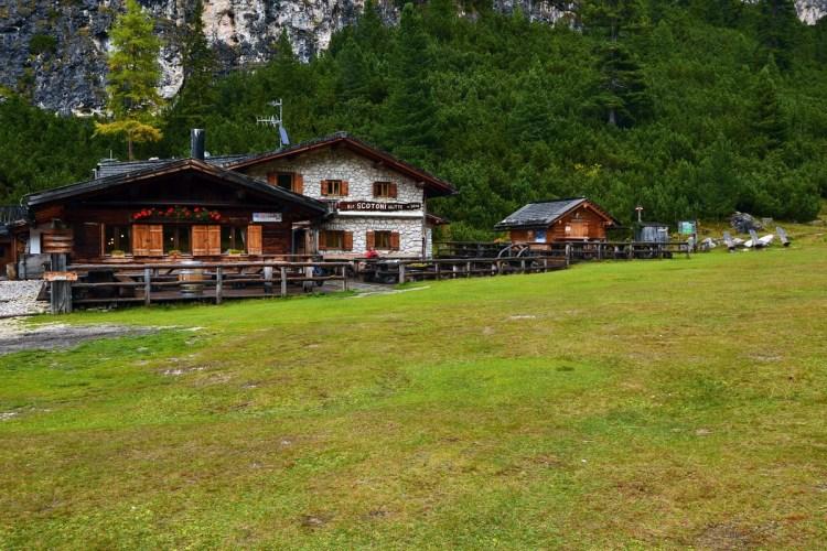 Cosa fare il Val Badia quando piove: il rifugio Scotoni