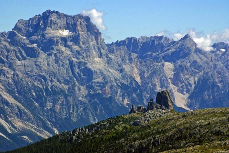 chiedimi perchè vado in montagna: le cinque torri e il monte cristallo ravvicinati