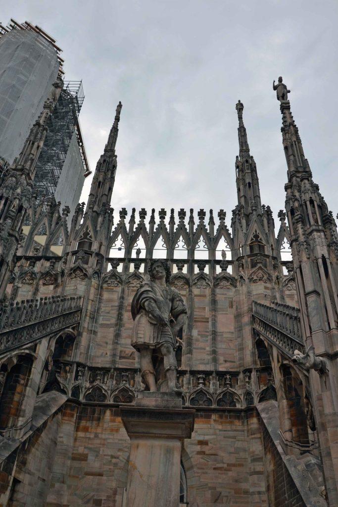 curiosità sul Duomo di Milano: alcune delle sue innumerevoli statue