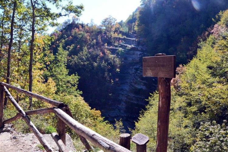 il belvedere sulla cascata dell'acquacheta