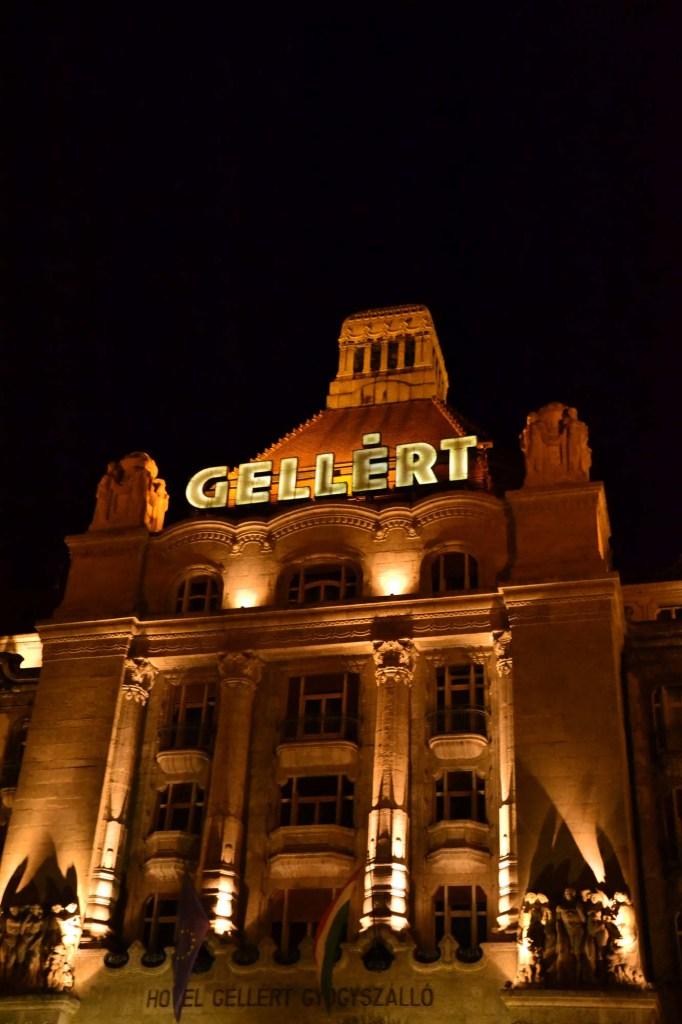 cosa fare a budapest: il palazzo Gellert delle terme