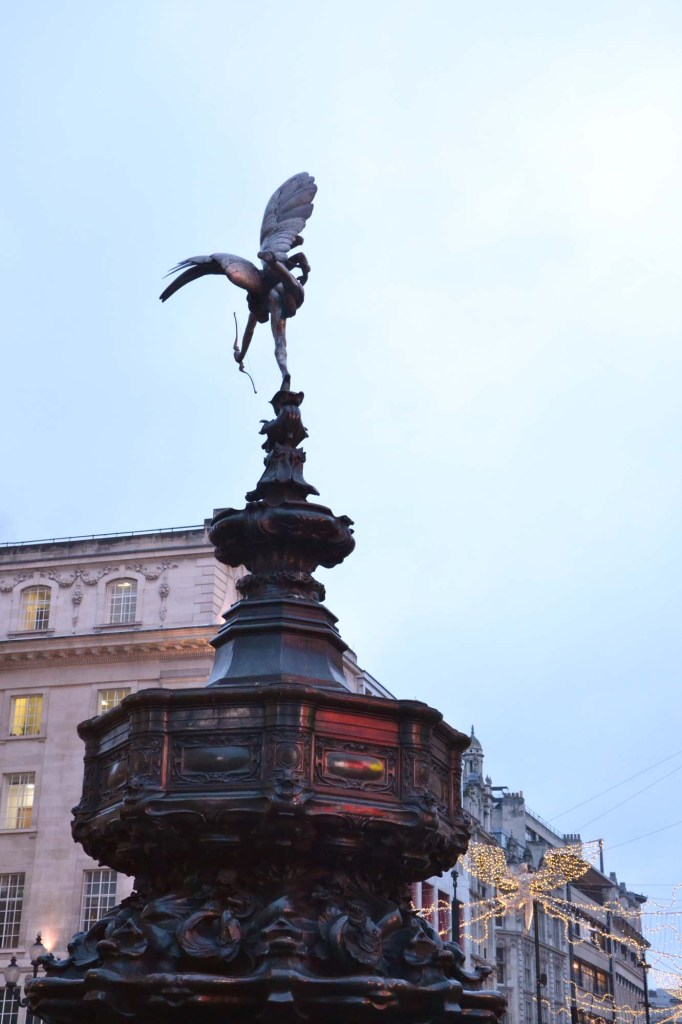 luoghi di harry potter a londra: statua a piccadilly circus
