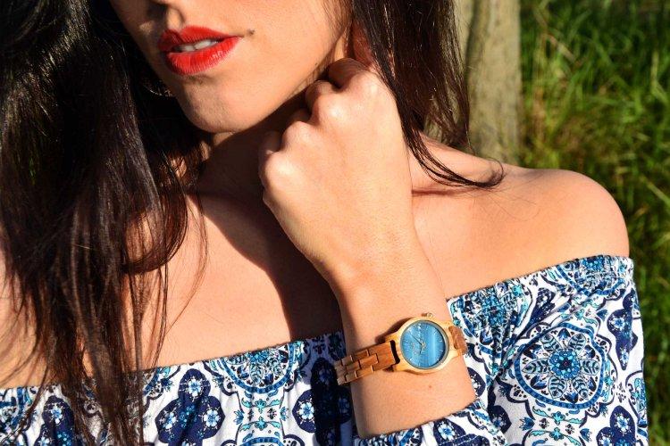 le meravigliose sfumature azzurre dell'orologio antrim di holzkern