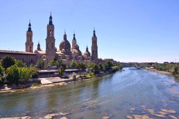 cosa vedere a saragozza: basilica e ponte di pietra
