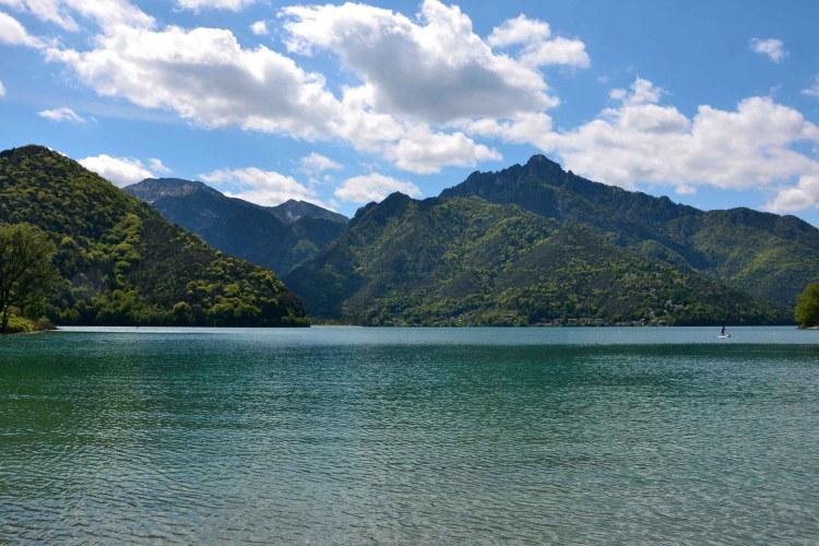 veduta meravigliosa sul lago di ledro