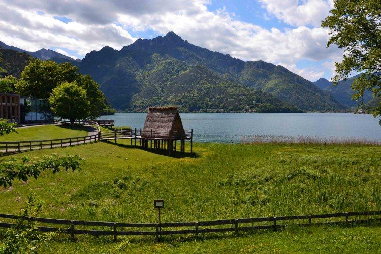 Da Riva del Garda al lago di Ledro in bicicletta: il lago di ledro e le sue palafitte