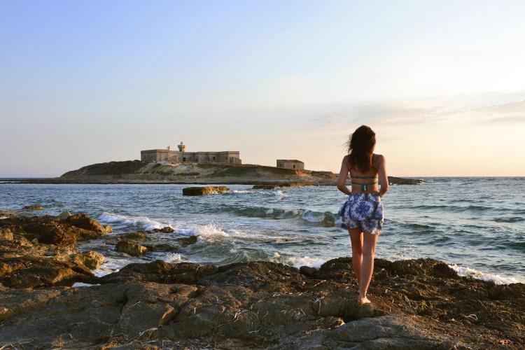 spiagge imperdibili nella sicilia sudorientale: valentina all'isola delle correnti