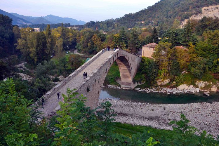 ponte alidosi a castel del rio