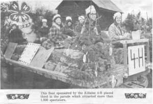 Santa Claus parade float sponsored by Killaloe 4-H Club. Betty Mullin Collection.