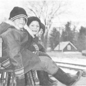 More happy faces from the Santa Claus Parade. Betty Mullin Collection.