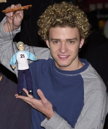 2000 - Justin's bleached blonde fro and baggy sweatshirt