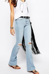 Noisy May €70.42 - Destroyed Knee Amy Flare Jeans http://bit.ly/250jWnZ