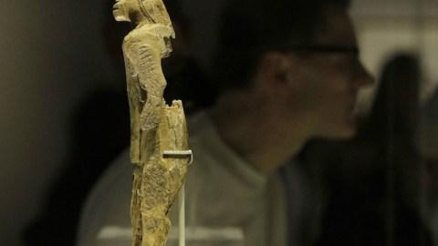 worlds_oldest_statue