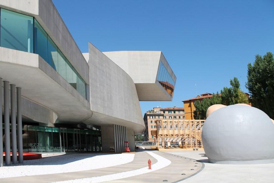 Hadid's MAXXI gallery in Rome — Antonella Profeta (flickr)