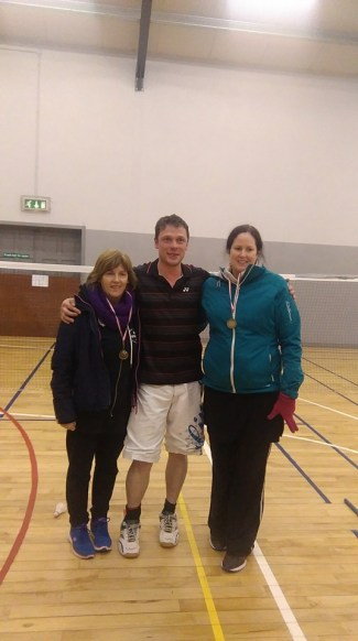 10 January 2016 Well done to Carol Walsh and her partner Vicky who were the plate winner's.