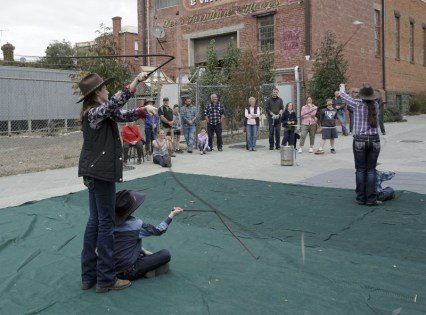 Buskers whip cracking