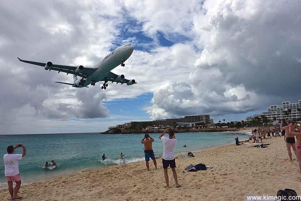 Landing in Maho Beach