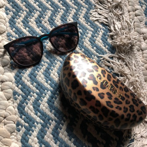 guess candy round mirrored sunglasses