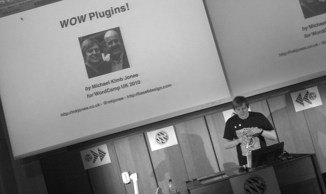 Me speaking at WordCamp UK 2010 - Photo copyright Dickie Dooda