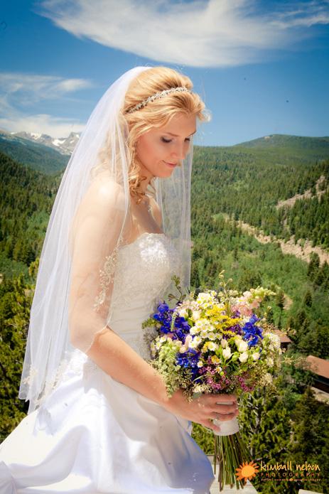 peaceful valley wedding photos