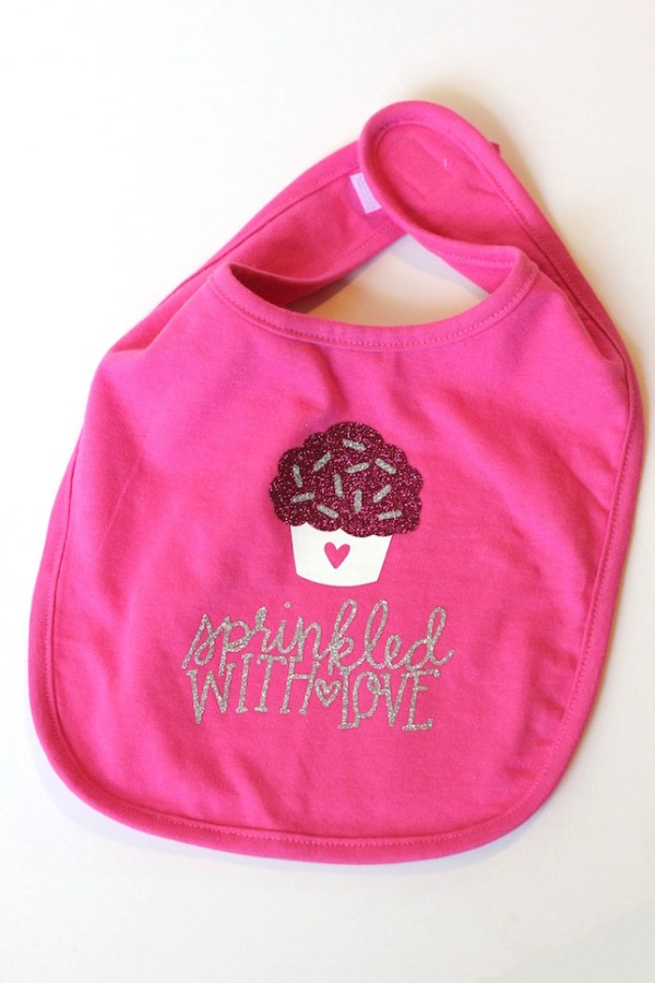10+ Precious Handmade Baby Projects for your Silhouette & Cricut | www.kimberdawnco.com
