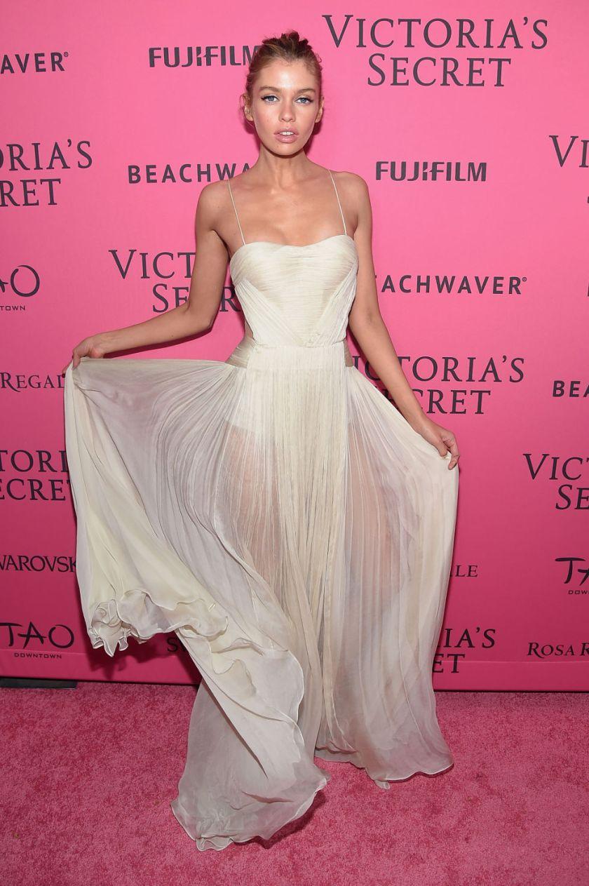 victorias secret 2015 fashion show stella maxwell backstage pink carpet