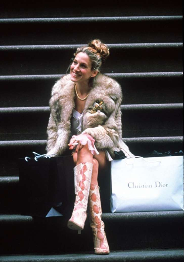 carrie bradshaw shopping sex and the city